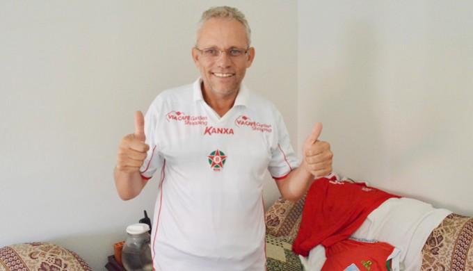 Seu paulo tem uma carta na manga para ajudar o Boa: a camisa branca que ele diz ser imbatível (Foto: Lucas Soares)