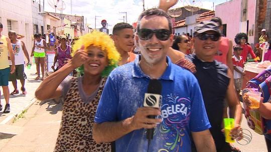 Bloco 'Zé Pereira' levou milhares de foliões às ruas de Neópolis