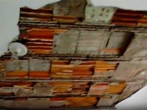 Reboco do teto desabou em posto de saúde na Bahia e atingiu médico (Foto: Imagem/TV Subaé)