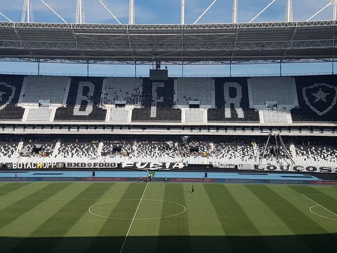 Estádio Nilton Santos Botafogo x Nova Iguaçu (Foto: Marcelo Baltar)