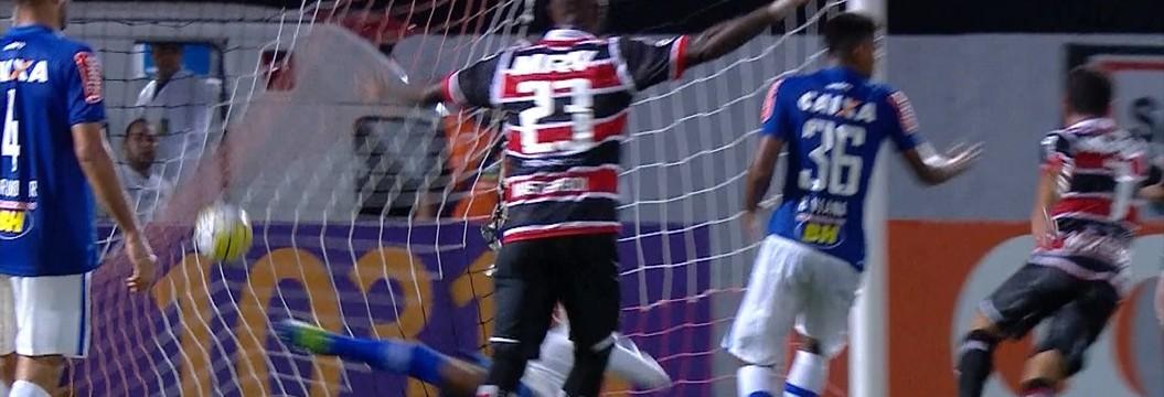 Cruzeiro é goleado no Recife e entra na zona de rebaixamento com um ponto (Anderson Stevens/Light Press)