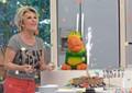 Dia de festa! Ana Maria canta parabéns para o Louro José (Foto: Mais Você/TV Globo)