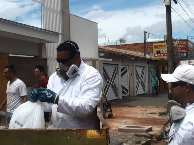 Araguari descarte lixo hospitalar (Foto: Richard Ribeiro/Arquivo Pessoal)