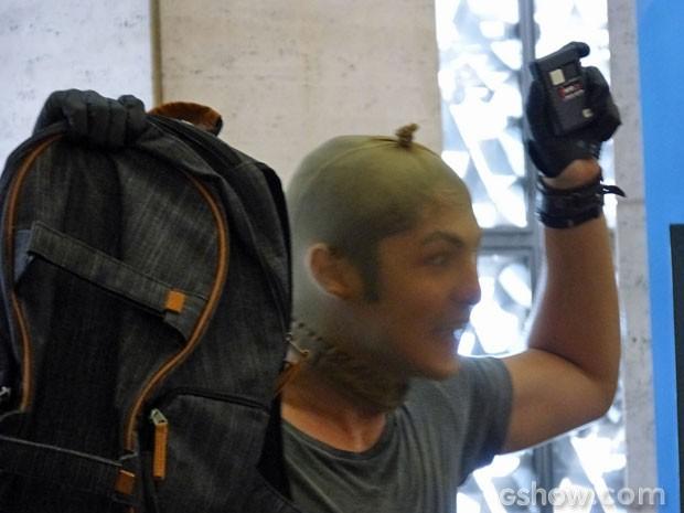 Antônio tem uma bomba! (Foto: Malhação/ TV Globo)