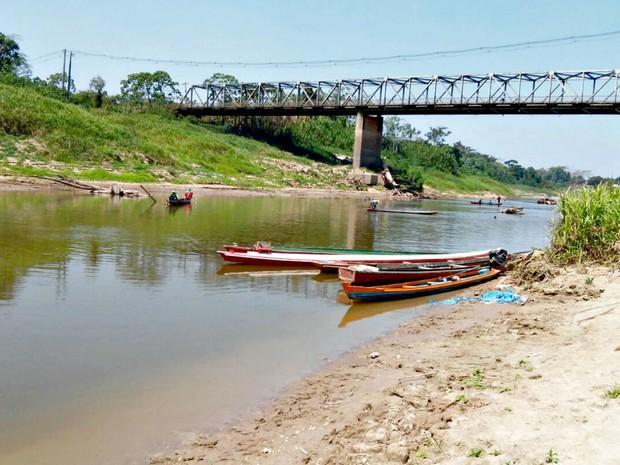 Rio Iaco Sena Madureira no domingo (31) (Foto: Divulgação/Corpo de Bombeiros)