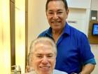 Silvio Santos assume fios brancos em novo visual depois das férias