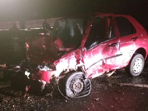 Seis pessoas morrem em acidente na BR-020, em Flores de Goiás (Foto: Divulgação/ Corpo de Bombeiros)