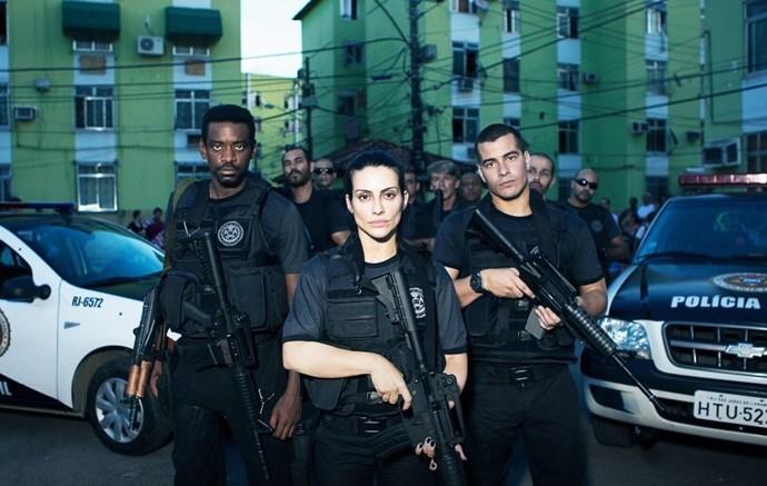 Cleo Pires, Thiago Martins e Fabricio Boliveira estão no filme  'Operações Especiais'. (Foto: Dan Behr / Divulgação)