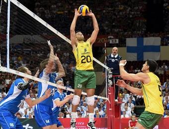 Brasil x Finlândia Mundial vôlei Rapha (Foto: Divulgação/FIBV)