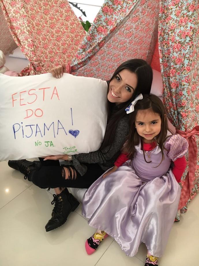 Thalita vai mostrar como se divertir em uma festa do pijama (Foto: RBS TV/Divulgação )