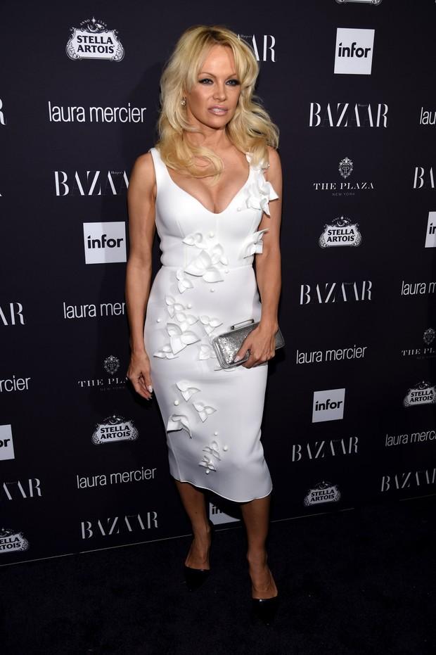 Pamela Anderson em festa em Nova York, nos Estados Unidos (Foto: Dimitrios Kambouris/ Getty Images/ AFP)