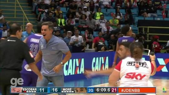 """Thiago Braz, do salto com vara, mostra foco até em jogo festivo de basquete: """"Preciso treinar mais"""""""