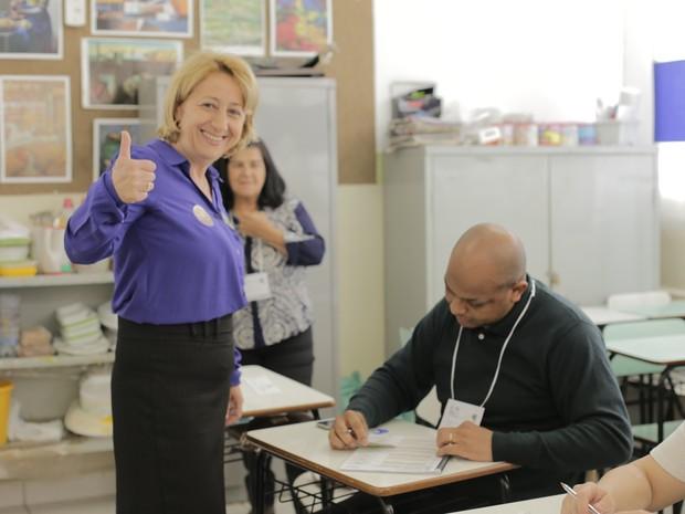 Candidata Regina Cioffi (PPS) vota em Poços de Caldas (MG). (Foto: Karina Sales)
