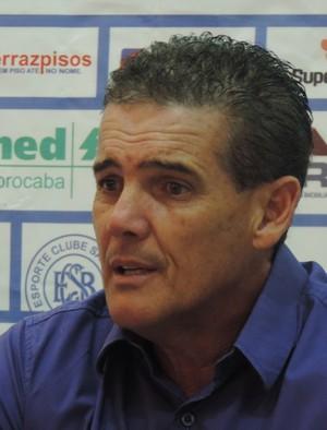 Paulo Roberto, técnico do São Bento (Foto: Marcus Vinícius Souza)