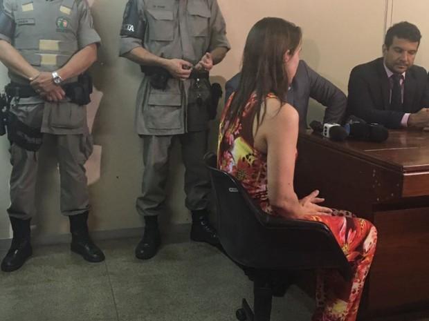 Márcia Zaccarelli é suspeita de matar e esconder corpo da filha em escaninho, em Goiânia, Goiás (Foto: Mariana Martins/TV Anhanguera)