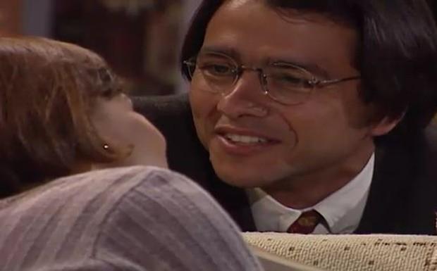 Lúcia convida Alexandre para morar com ela