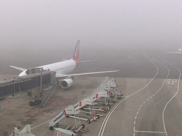 Aeroporto Porto Alegre : G neblina fecha aeroporto de porto alegre e provoca