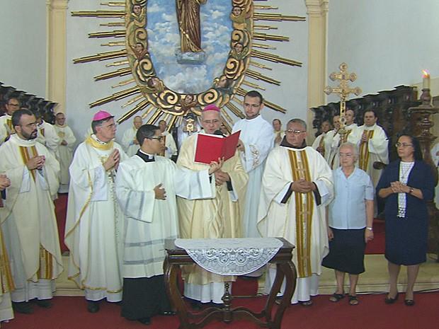 Missa celebra início do processo de beatificação e canonização de Dom Hélder (Foto: Reprodução / TV Globo)
