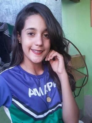 Sthefanny Rilleny da Silva, de 13 anos, está desaparecida (Foto: Divulgação/ Polícia Civil)