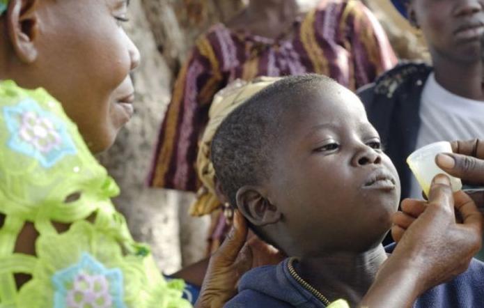 Drones ajudam na distribuição de remédios em continentes de difícil acesso, como o africano (Foto: Reprodução/UOL)