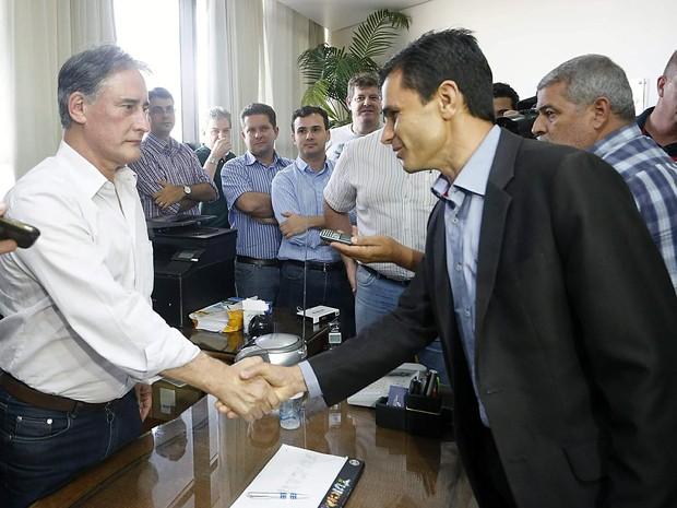Pacheco foi recebido pelo prefeito afastado, Edgar Bueno (Foto: Vanderlei Faria/Prefeitura de Cascavel/Divulgação)