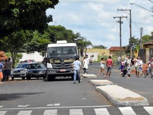 Acidente aconteceu na Avenida Huet Bacelar (Foto: Elienay Richard Oliveira Silva/A Folha de João Ramalho/Cedida)