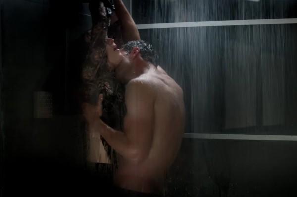 Uma cena do trailer de 'Cinquenta Tons Mais Escuros' (Foto: Reprodução)