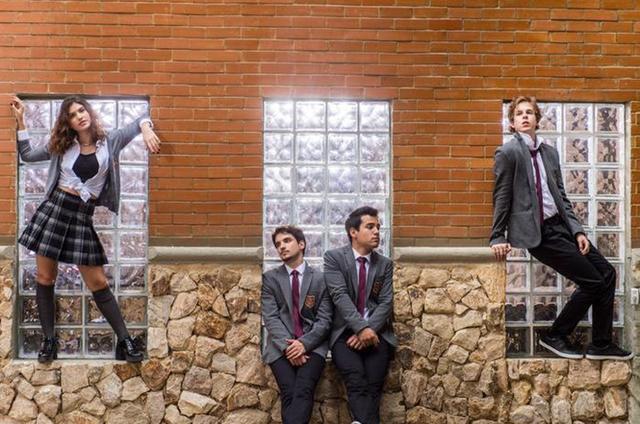 Essa é a banda Os Lagostins, de 'Malhação': Samantha (Giovanna Grigio), Felipe (Gabriel Calamari), Guto (Bruno Gadiol) e MB (Vinicius Wetser) (Foto: Mauricio Fidalgo / TV Globo)