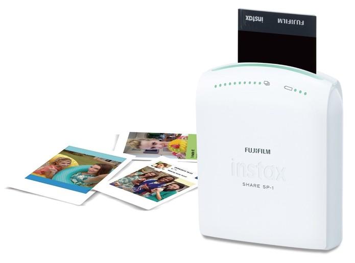 Fujifilm Instax Share SP- imprime em fotos em cerca de 30 segundos (Foto: Divulgação/Fujifilm)