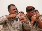Soldados libaneses devoram cobras vivas em treinamento militar