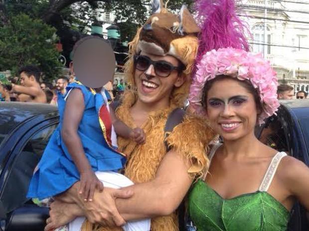 Fernando, Mateus e Cíntia saem fantasiados em Belo Horizonte (Foto: Fernando Bustamante/Arquivo pessoal)