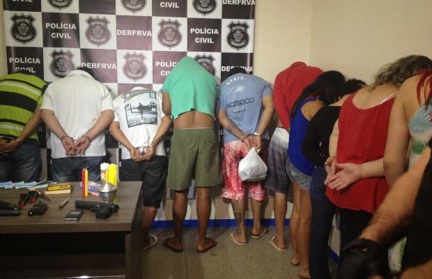 Polícia Civil prendeu 12 suspeitos de integrar quadrilha de roubo de cargas Goiânia Goiás (Foto: Vanessa Martins/G1)