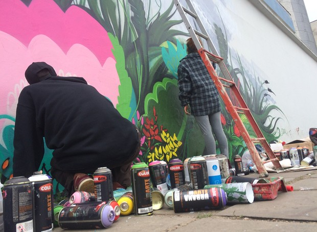 Grafiteiros produziram a arte do clipe de Primavera da RBS TV  (Foto: RBS TV/Divulgação)