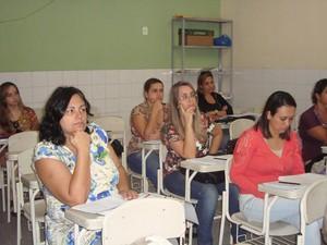 Professores receberam treinamento sobre novidade (Foto: Anneliese Lobo/Ascom Cabo Firo)