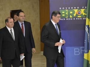 Joaquim Levy, Nelson Barbosa e Alexandre Tombini foram anunciado oficialmente para o comando da equipe econômica de Dilma (Foto: Agência Brasil)
