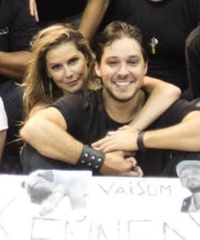 Deborah Secco e Bruno Torres (Foto: Reprodução/ Facebook)