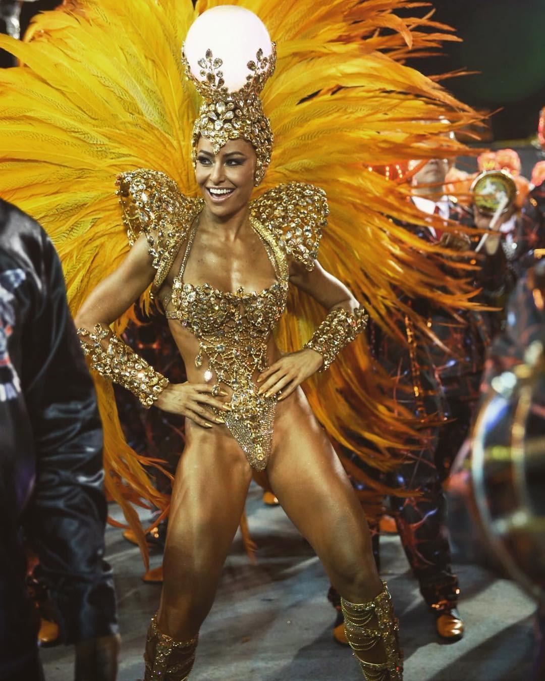 Musa do Carnaval: em produção do posto de rainha da bateria da Vila Isabel, no RJ (Foto: Reprodução/Instagram)