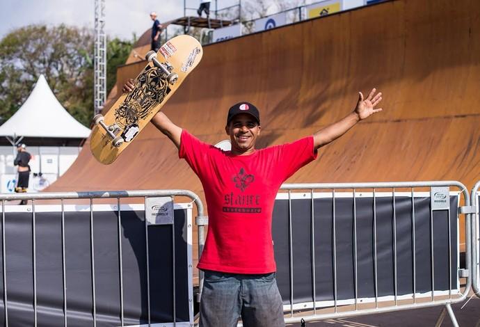 Neguinho diz que vê altura como motivação (Foto: Francisco Costa/Divulgação)