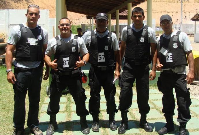 Michael Mendes (1º à esquerda), em curso de formação da Secretaria de Justiça do Espírito Santo (Foto: Thiago Raposo)