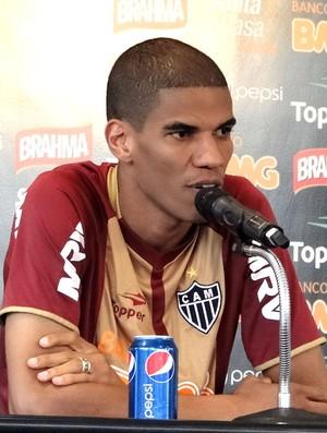 Leonardo Silva na coletiva do Atlético-MG (Foto: Fernando Martins / Globoesporte.com)