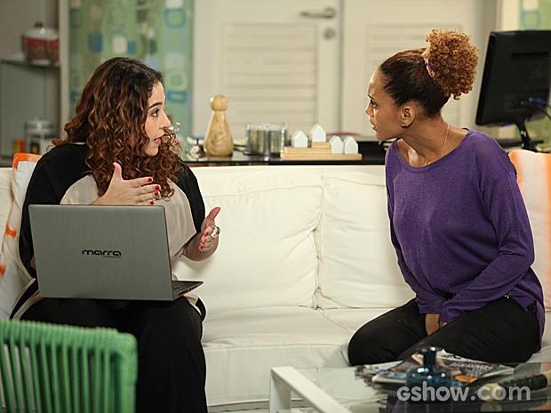 Edna conta para Verônica que Vicente vende informações (Foto: Camila Camacho / TV Globo)