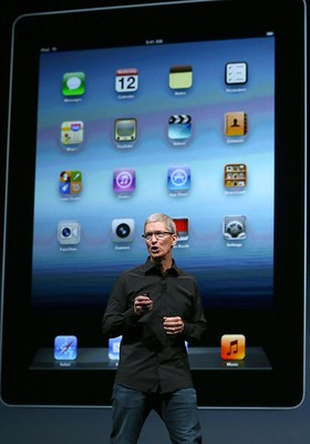 Tim Cook, CEO da Apple, apresenta iPhone 5 (Foto: Getty Images)