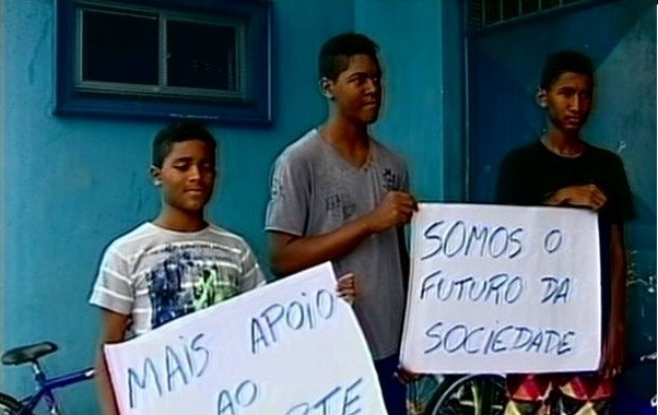 Alunos estão indignados (Foto: Reprodução/ TV Gazeta)
