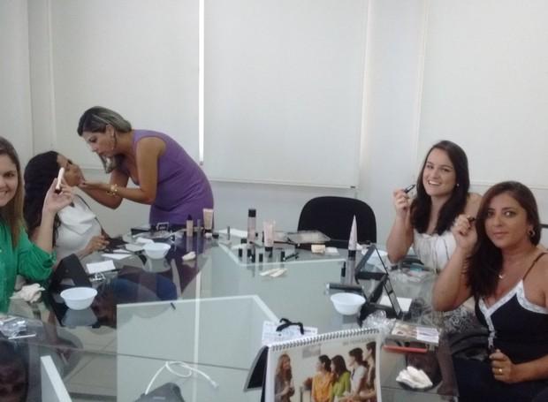 Equipe da Planície aproveitam o dia da Beleza (Foto: Vítor Santos/ Programação)