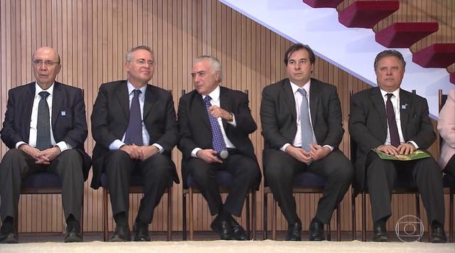 Governo reúne ministros e líderes para discutir a aprovação de corte de gastos