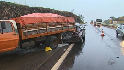 Duas pessoas morrem em acidente na Rodovia Anhanguera em Ribeirão Preto, SP
