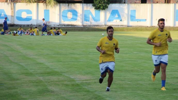 Naça treinou nesta segunda no CT Barbosa Filho (Foto: Marcos Dantas)