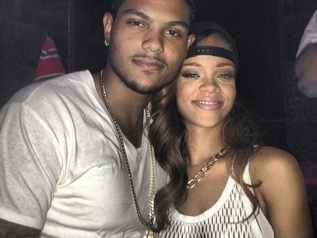 Rihanna (Foto: Twitter/Reprodução)