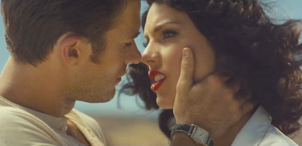 Taylor Swift e Scott Eastwood no clipe de 'Wildest dreams' (Foto: Divulgação)