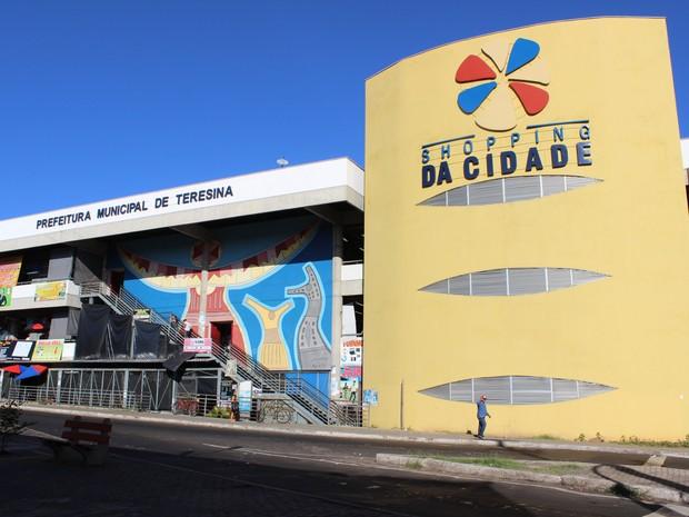 Shopping da Cidade fica localizado na Avenida Maranhão, Centro de Teresina (Foto: Yara Pinho/ G1)